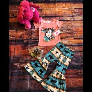Girls Cow Western graphic Top & Bell Bottom Pants